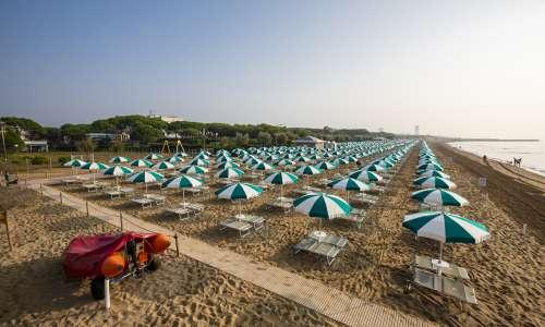 Ombrelloni Per La Spiaggia.Jesolo Spiagge Prenota Il Tuo Ombrellone A Jesolo Online